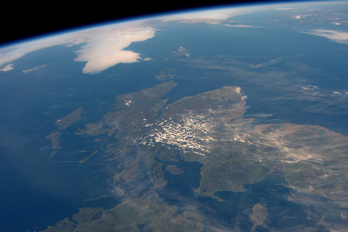 We had a great view of Scotland today…very rare to not be covered with clouds. https://t.co/R31MXg2I1U