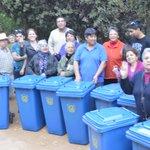 Alcaldesa @macasante #ConcejalaSoniaMuñoz #Secplan entrega #ContenedoresAseoDomiciliario en #JuntaDeVecinosLaPlanta https://t.co/FA3QCd4blP