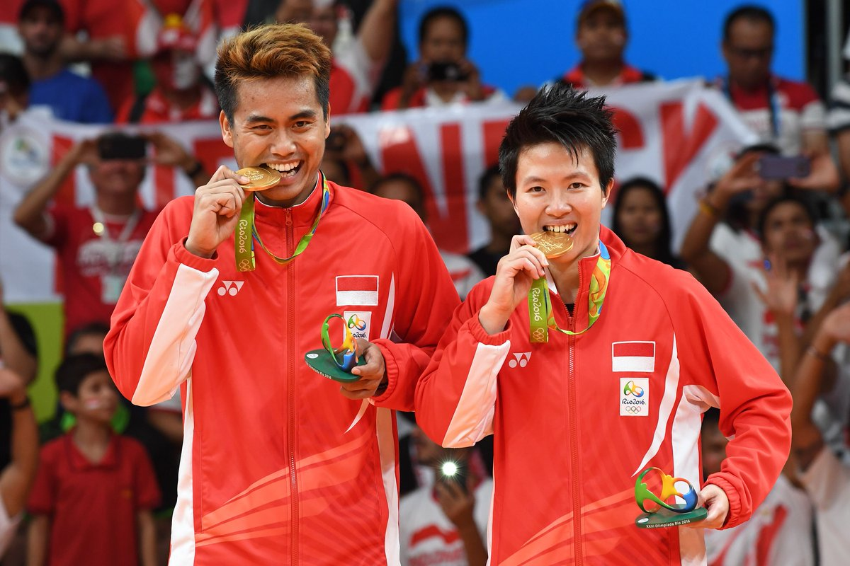 BREAKING: Indonesia wins first Olympic gold since 2008, beating Malaysia in mixed doubles badminton final #INA https://t.co/moW0wbcQya