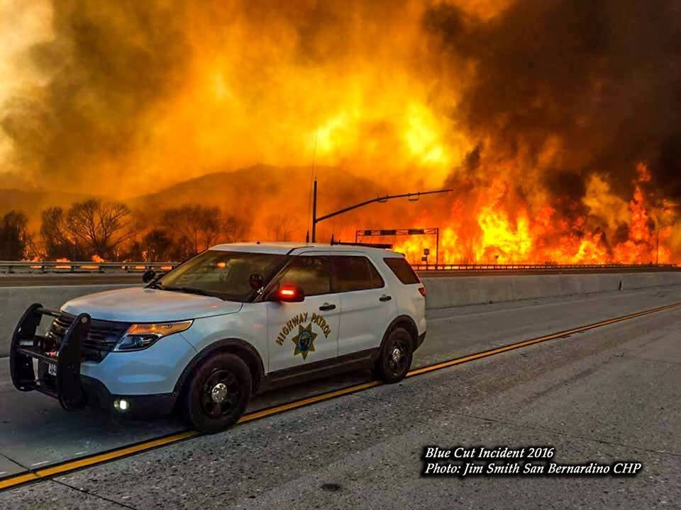 This picture highlights how intense the #BlueCutFire is. Thankful for the unified commands efforts. https://t.co/ABmGNQMKJW