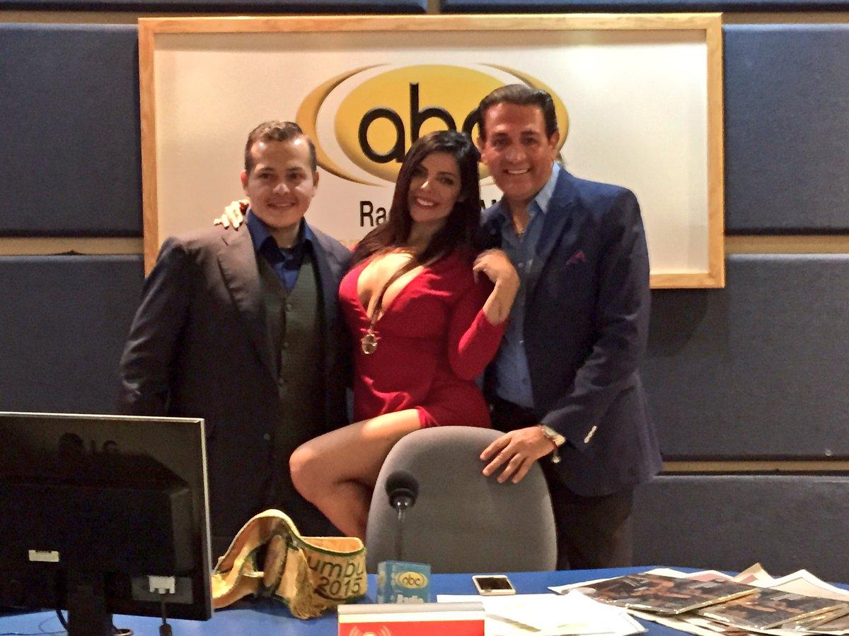 RT @latijera2: Gracias por sintonizarnos y a @SuzyCortez @tenor_montero por su visita a @latijera2 con @fabianlavalle2 https://t.co/qKO1bos…