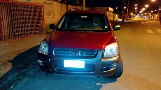 Necesito ayuda de ustedes para localizar automóvil Kia Sportage Patente ZP 2654 Es importantísimo y urgente