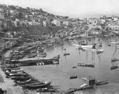Port of Piraeus in 1892. May the wind be always at your back. #ThisIsAthens #Throwback https://t.co/yiXBIOfVfa
