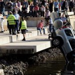Man taken to hospital after car crashes into Sydney Harbour at Pyrmont