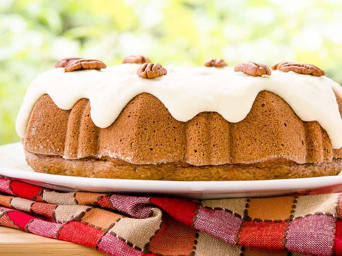Tasty Cinnamon Pecan Applesauce Bundt Cake w/ Browned Butter Glaze Recipe: https://t.co/OvikX78uzD #BundtBakers https://t.co/zxQpeH38VQ
