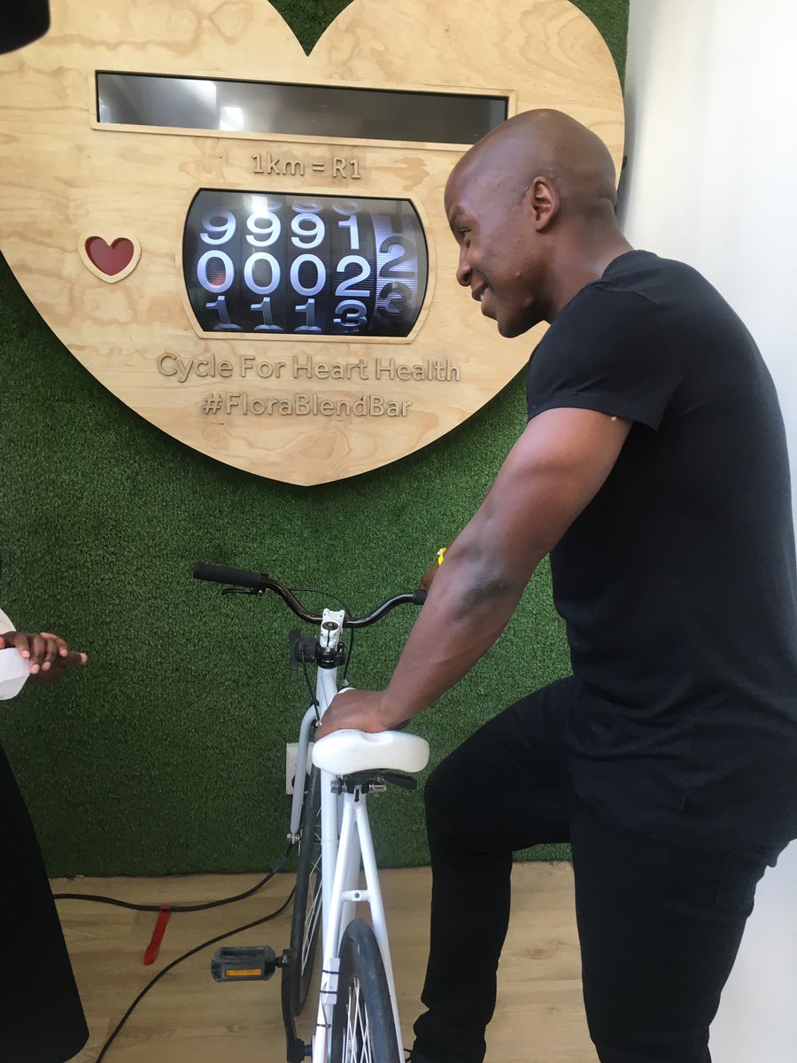 @KabeloMabalane spinning for health & to raise money for heart foundation. Great idea #FloraBlendBar @floraheartSA https://t.co/nLmUIFMNor