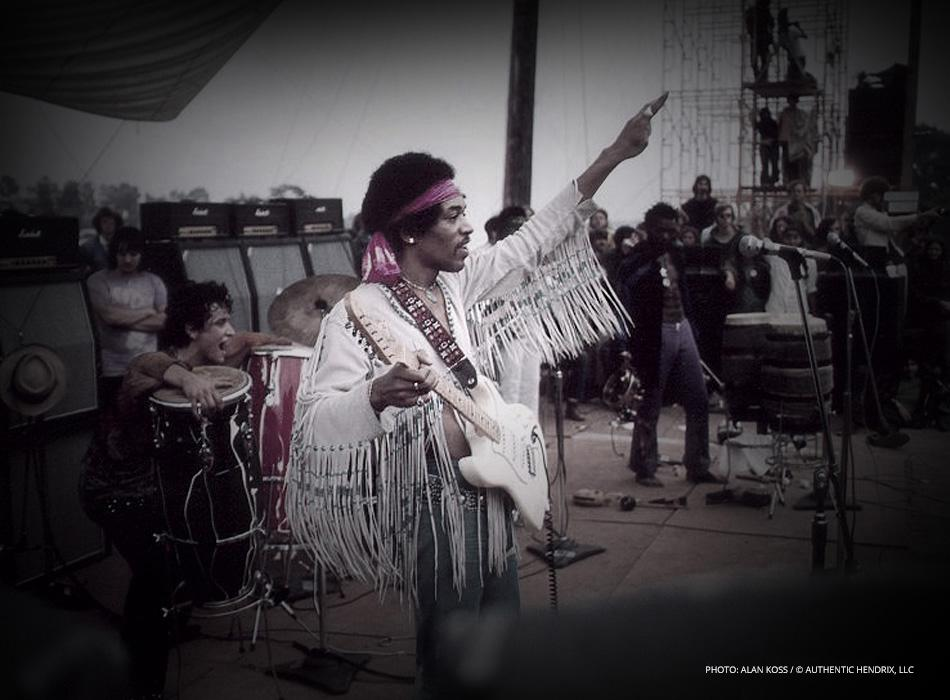 """On this day in 1969, #JimiHendrix performed """"The Star-Spangled Banner"""" at Woodstock. https://t.co/rJ7u7uvpiS"""