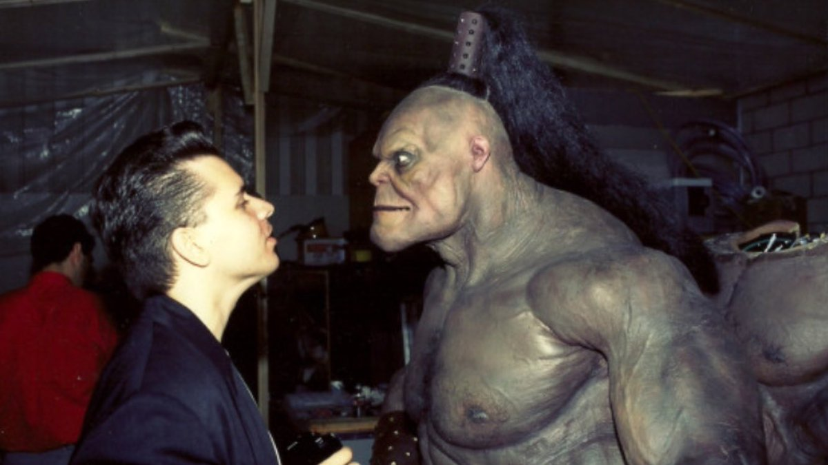 21 Years Ago Today the MK film was released. Here's a repost of me on the set checking out Goro's nose hairs. https://t.co/af6rfe6xA4