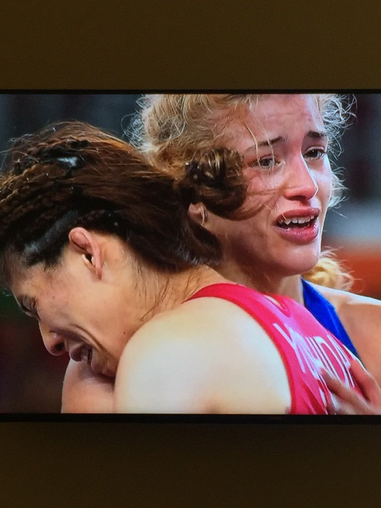 One in tears of victory,  one in tears from defeat.  Congrats @helen_maroulis https://t.co/POVESBn27k