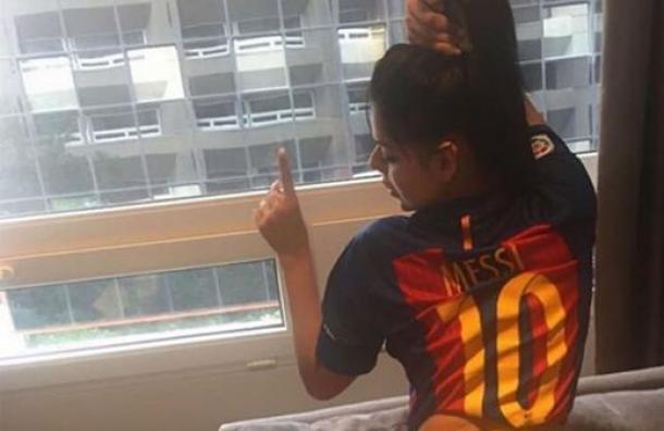 RT @RepretelCR: Miss BumBum felicitó en Instagram a Lionel Messi por ganar la Supercopa https://t.co/E1cA3YVj2N https://t.co/q45y72Sv1b