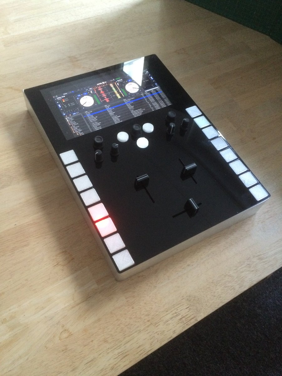 Prototype's comin together! What would you want on the final product? #invaderMixer https://t.co/69R9b2ohXp