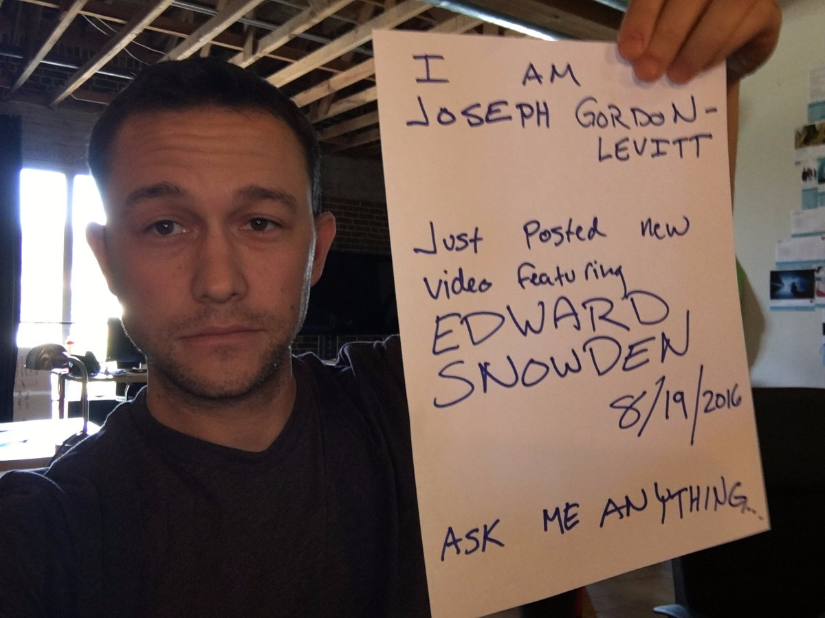I'm starting a @reddit AMA right now. Come ask me things.. https://t.co/kkLlQVQp0o https://t.co/JdN1aFe7Jl