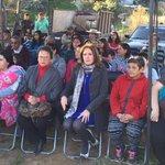 Alcaldesa @macasante #ConcejalSoniaMuñoz #Secplan y vecinos inaugurando alcantarillado Serrano y Riquelme #Olmué https://t.co/BChIMqNw8x