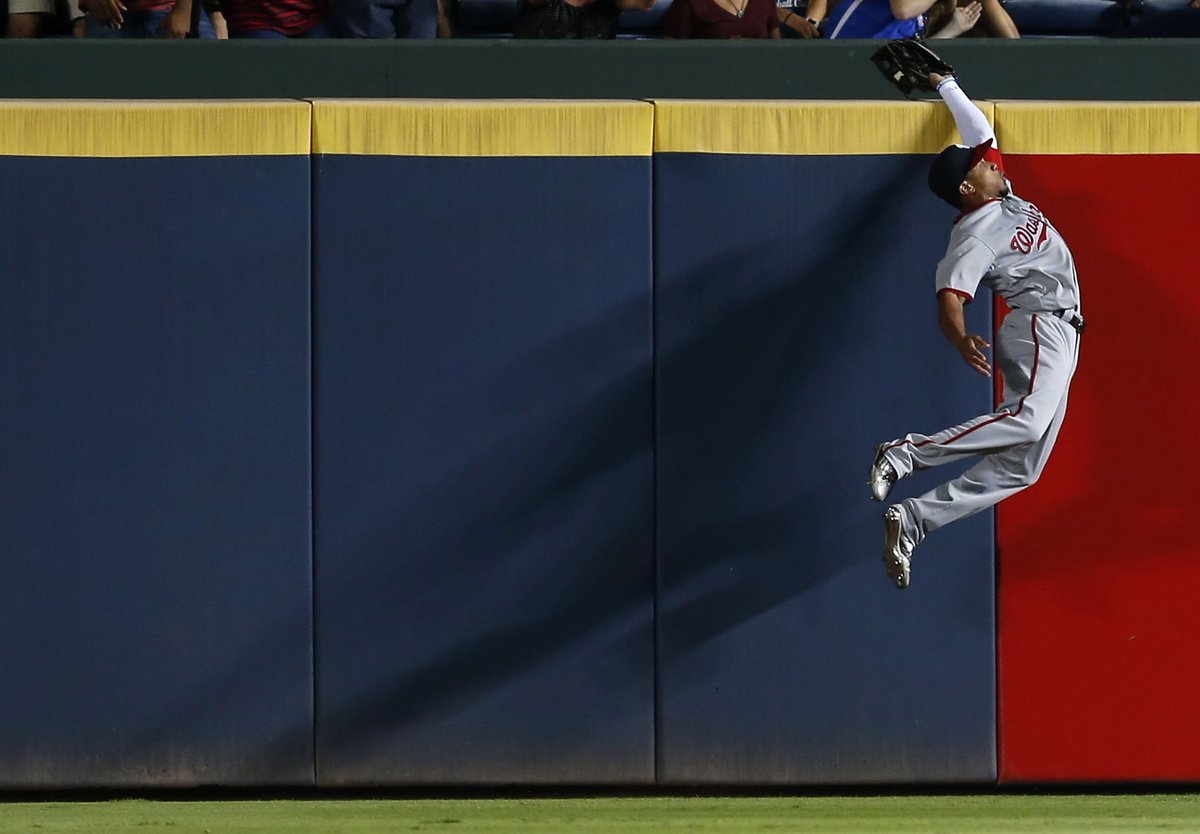 Like I said, this Ben Revere catch was ridiculous. (Photo via @GettyImages) https://t.co/SAYWv9KzPh