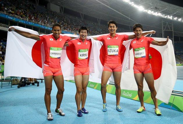 男子4×100mリレー 日本、銀メダル(37秒60)おめでとう!(Getty Images) #リオ五輪 #Rio2016 #陸上 https://t.co/OQU2PVoCMn