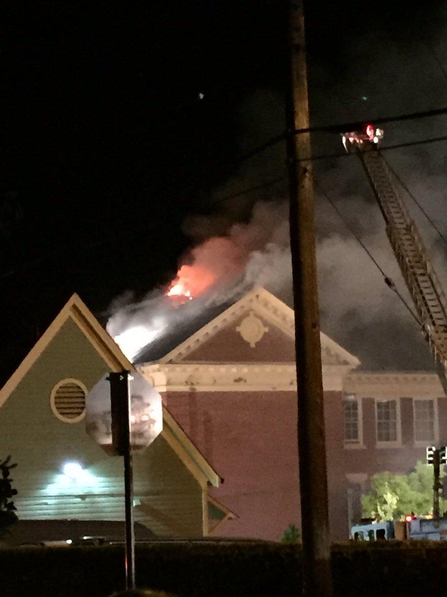 Carleton School fire still going strong. https://t.co/c36IIEjPnx