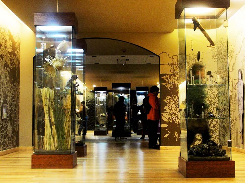 Para los amantes de la história un lugar a #DondeIr es al museo de Quito en #Ecuador https://t.co/Y6jXYMYFlV https://t.co/v7fvwjL9os