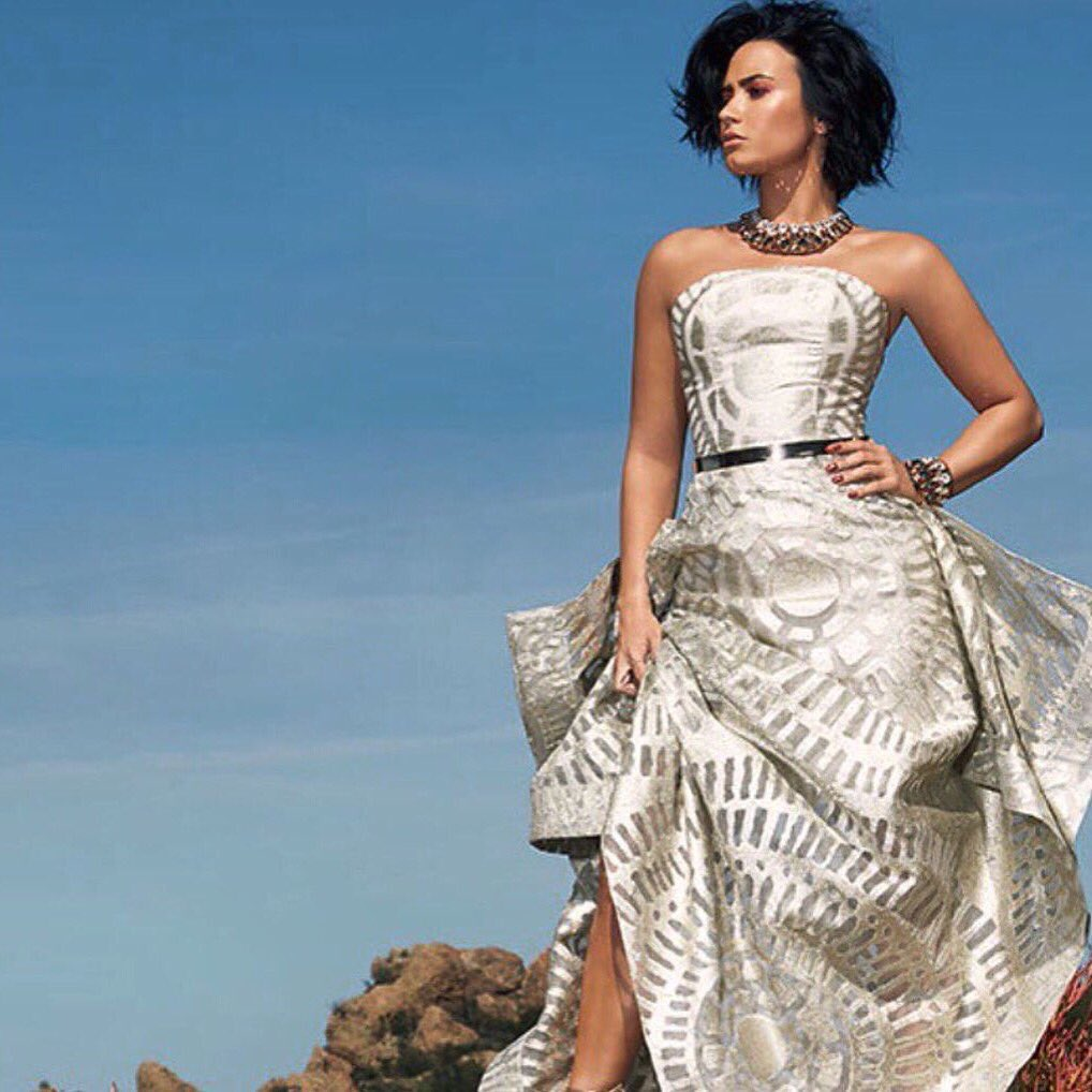 Happy Birthday to the amazing @ddlovato Always so chic wearing Siriano. Love her!