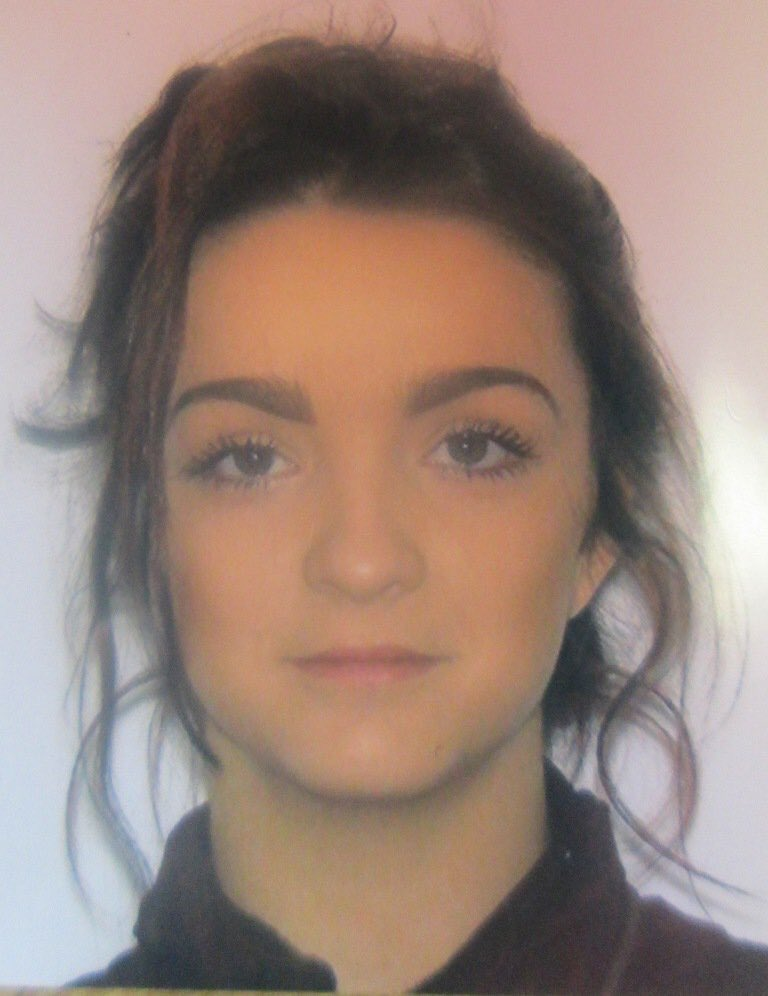 Gardaí are seeking the help in tracing 16 year old Chloe Elderfield, missing from her home in Co Clare on Thursday https://t.co/SdxePVsDRv