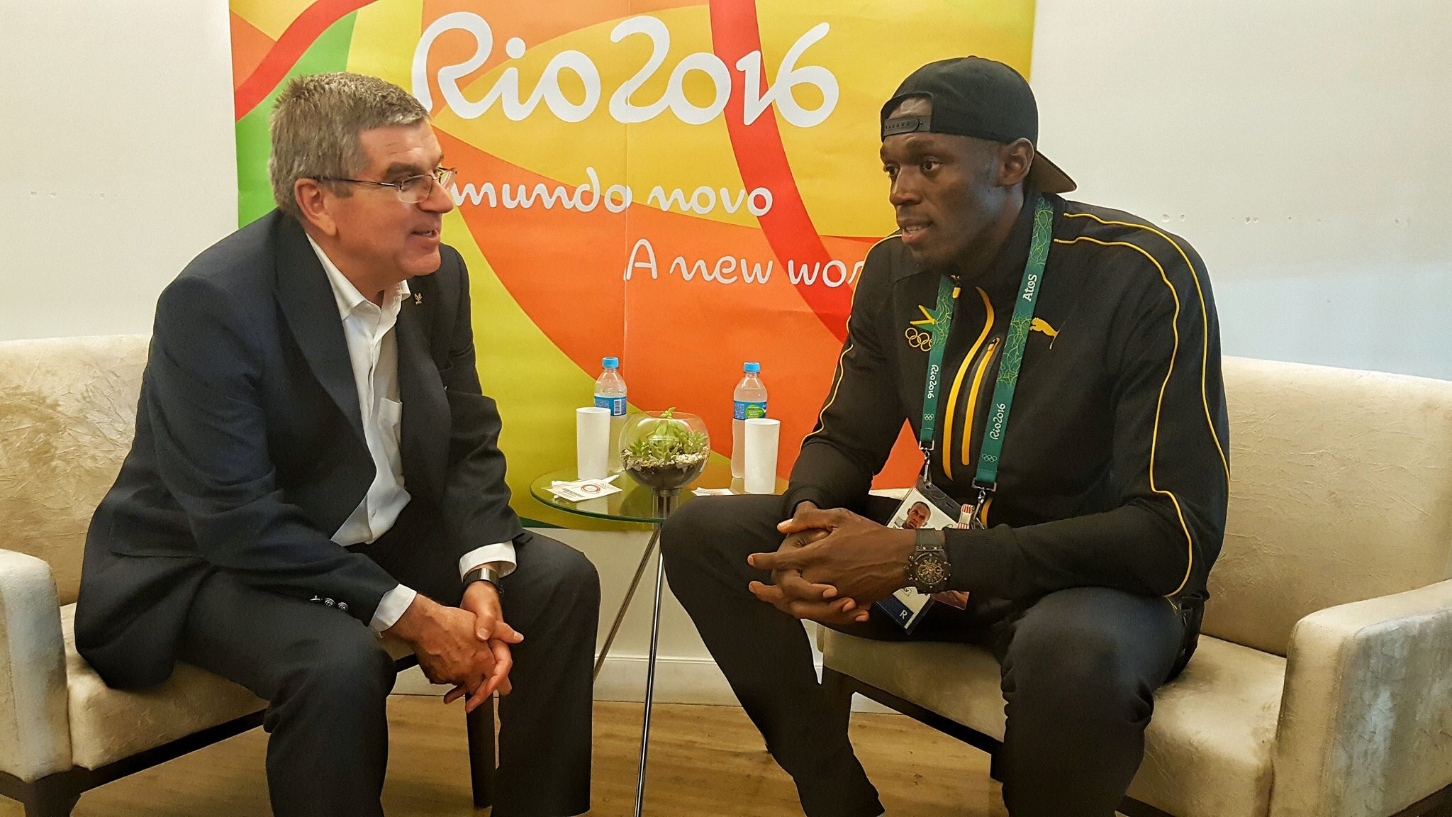 IOC President meets an Olympic legend @usainbolt https://t.co/W0SwzD3kWl