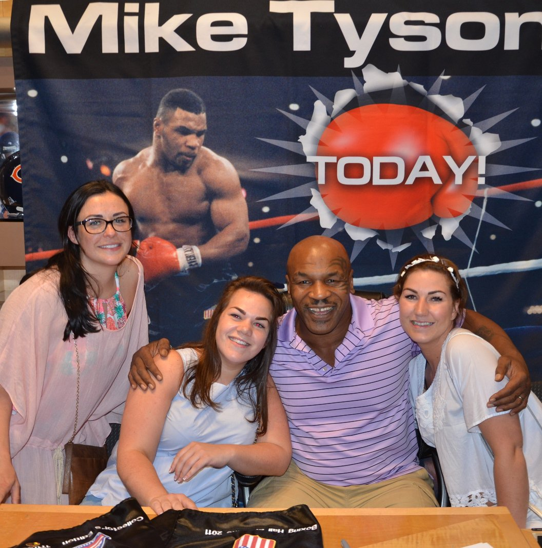 Mike tyson photos images from miketyson twitter account vegas meet mike today get his autograph at fodvenetian fodcaesars m4hsunfo