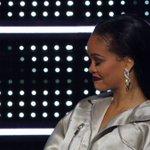 AH, O DRAKE FALANDO QUE É APAIXONADO POR ELA DESDE OS 22 ANOS! Olha a cara dela: #VMAs https://t.co/MA590yrQMk