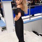 More pics of Ariana on the #VMAs white carpet! 😍 https://t.co/Sl44duQw1V