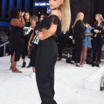 "RT ArianaTodayNet ""HQ photos of Ariana tonight #VMAs https://t.co/97PfIDUgNW"""