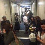 Pánico en el aeropuerto de Los Ángeles, por si las moscas me pasa algo, Dios nos proteja a todos. https://t.co/qDxEctKige
