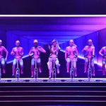 "Watch Ariana Grande & Nicki Minaj perform ""Side To Side"" at #VMAs https://t.co/aZBhl73Lm9 https://t.co/Ti26tC2eZ1"
