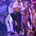 Imagens da segunda performance de Rihanna no #VMAs #RiRiVANGUARD https://t.co/2t17iGAGLR