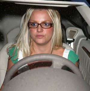 Britney outside in her car right now https://t.co/TRcPS495uT