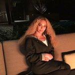 MTV: Beyoncé which song are you performing? Beyoncé: Lemonade... MTV: Thats an album though.... Beyoncé : https://t.co/rZ4JhrFOKk