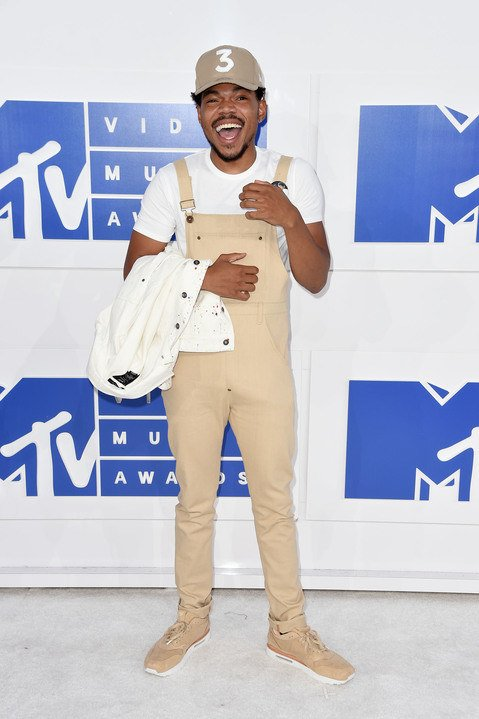No one was cuter than @chancetherapper on the 2016 VMAs white carpet https://t.co/BiJLnichDG