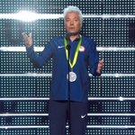 Jimmy Fallon imitando Ryan Lochte no #VMA zoando a fama de mentiroso enche o coração de cada brasileiro de orgulho! https://t.co/OYjEJdMfvn