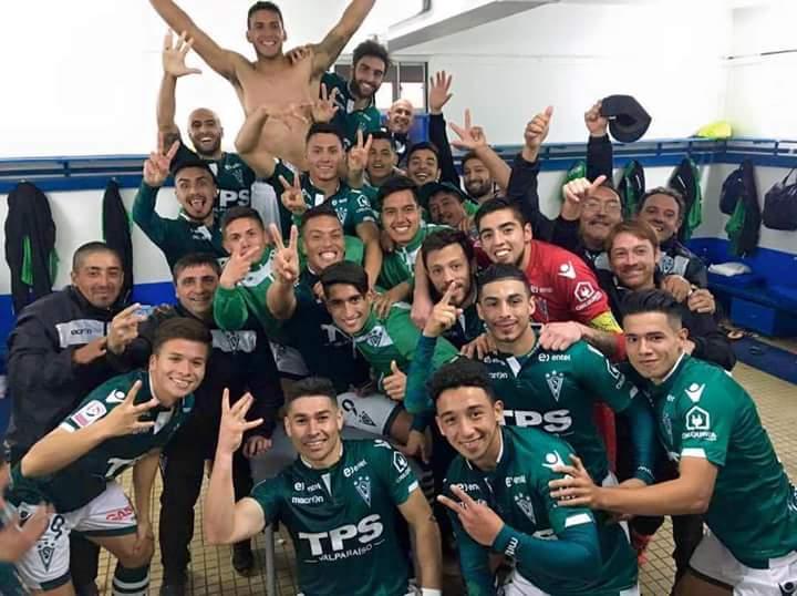 ¡Una nueva semana como punteros del campeonato, gracias todo muchachos, estamos orgullosos! #SomosHistoriaViva https://t.co/z98QBztBm5