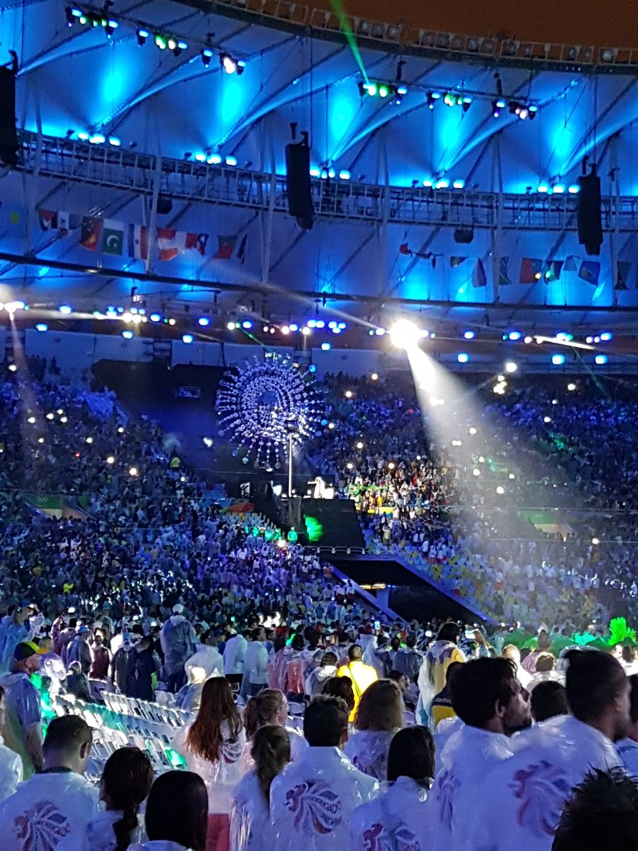 Saddest moment of the #ClosingCeremony the flame going out!!! #Rio2016 https://t.co/V40FXjQJWF