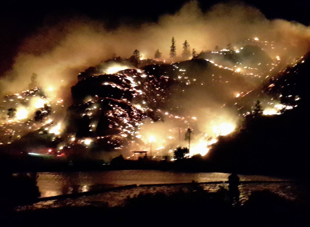 Not a good night for fires... getting reports of one in Okanagan Falls as well. This photo courtesy of Shirley Yip https://t.co/KZVgjANk2u