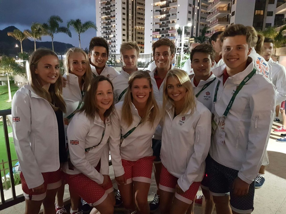 It's been an amazing few weeks with these guys! Sad to leave #Olympics https://t.co/ZMpjQ9Mug1