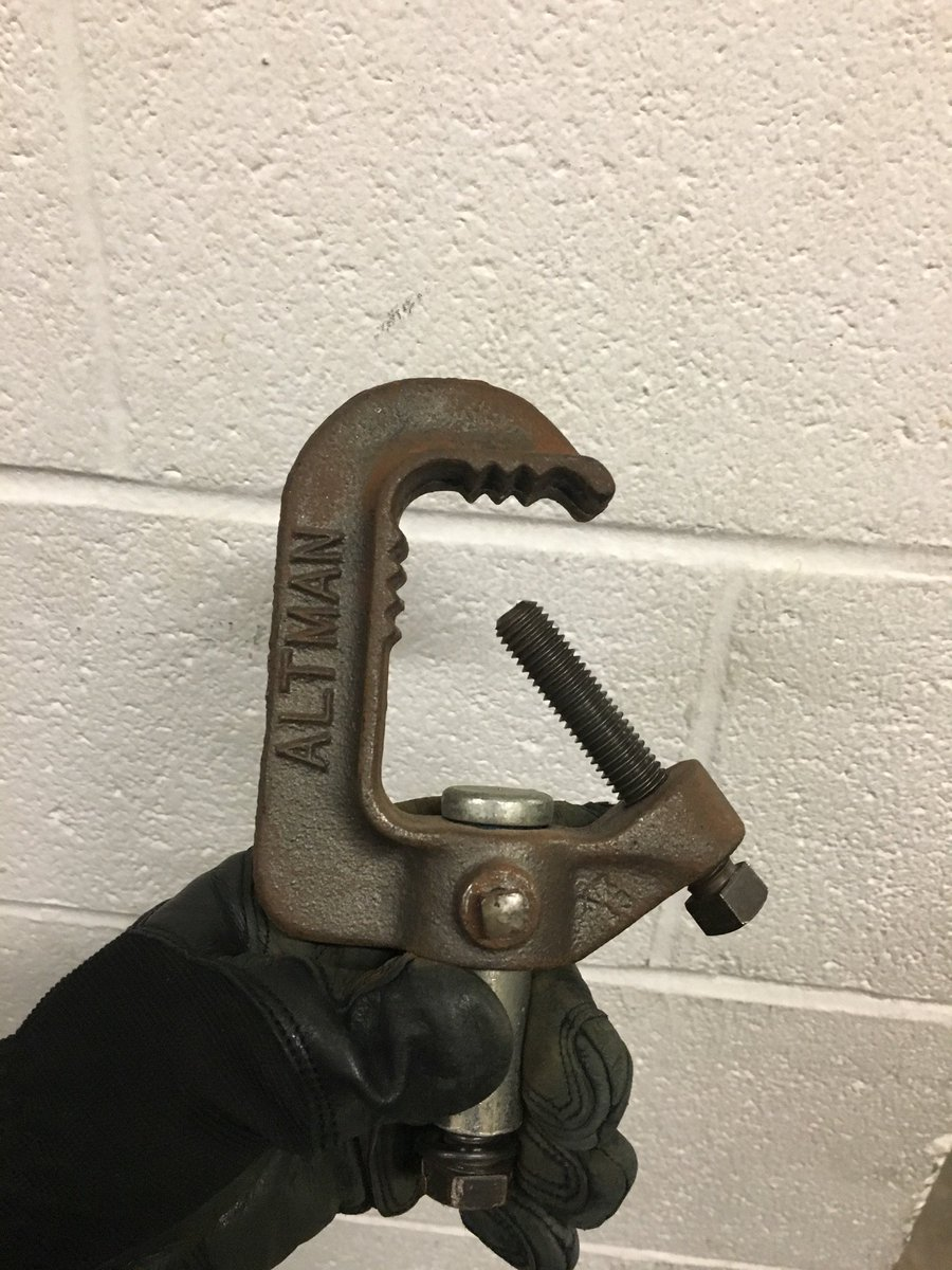 If I ever murder someone, it will likely be because they stored a c-clamp like this: https://t.co/3aLlDjvr2c