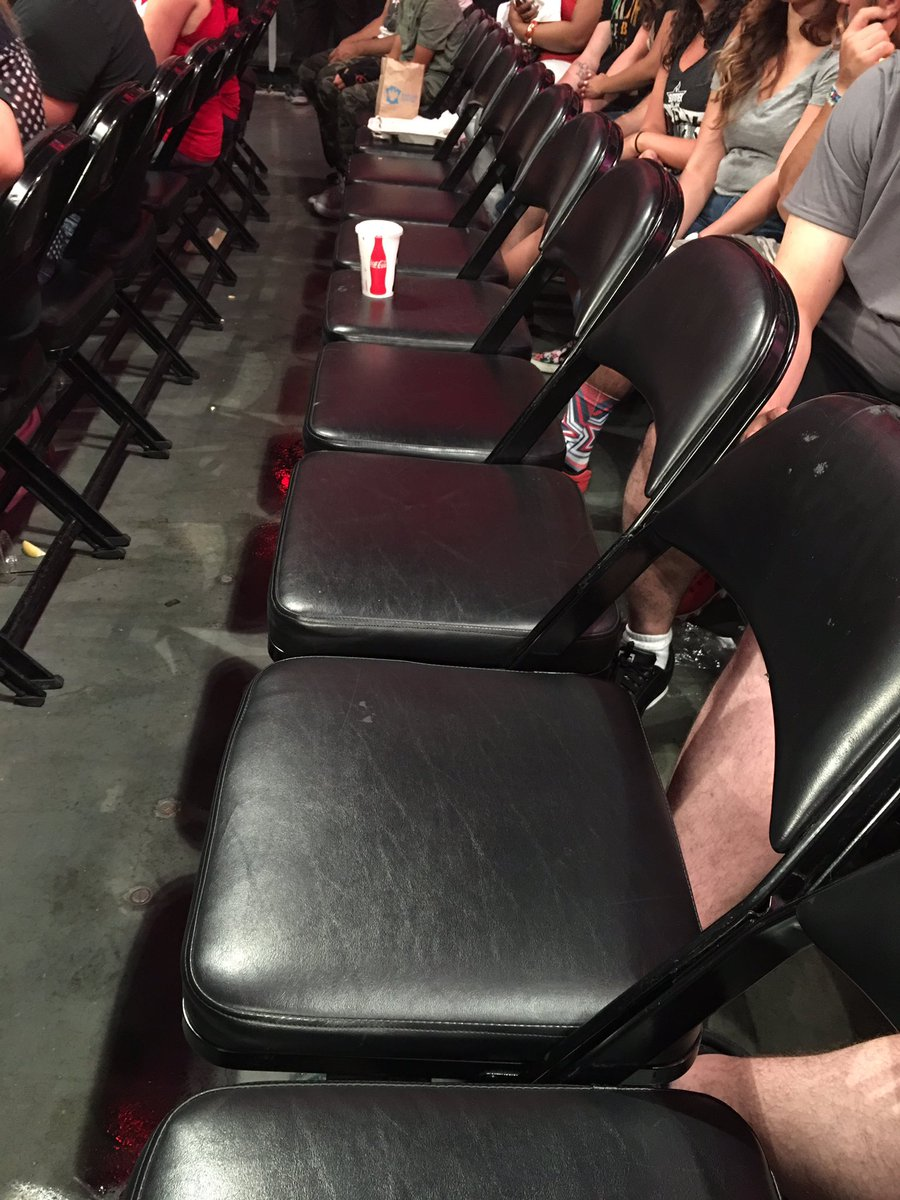 My row is really enjoying Roman Reigns back in the main event picture!!! #Raw https://t.co/qsbEeFOoSD