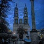 Catedral de #Tepic 🏰 👍 buena foto para iniciar la semana 👏 #SoyDeTepic 💙 https://t.co/m6cucwaW18