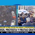 🍎🍐 Consumidores se agolpan en Plaza de Mayo para recibir gratuitamente peras y manzanas https://t.co/axcblsCFuW https://t.co/aB3La8b85E