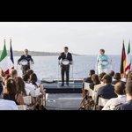 #CIALTRONI A VENTOTENE Ci sono un francese, un tedesco e un italiano su una portaerei, ma non cè niente da ridere. https://t.co/g12s0jnEwJ