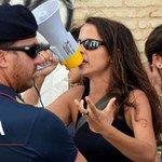 #Veronica #Padoan che protesta x i diritti dei migranti: lavete mai vista protestare x i diritti degli italiani? https://t.co/FEAcDspL8H