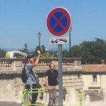 Stationnement interdit place royale du Peyrou & devant arc de triomphe: la signalisation TRES claire! cc @saurel2014 https://t.co/ZwSgforSZZ
