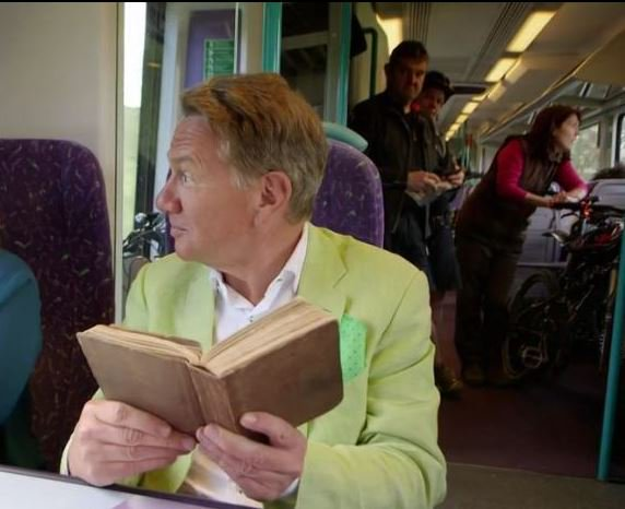Can't really blame #JeremyCorbyn for sitting on floor...Look who he'd've had to sit next to... @bbcthisweek @afneil https://t.co/uhTYtBqhqK