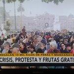 Quien dijo que @mauriciomacri no llena una plaza...??? Día histórico para Cambiemos. Fruto de sus políticas. https://t.co/16U9yTVwPH