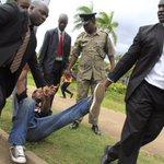 Ukiwa USIU halafu bahati mbaya useme torch instead of flashlight https://t.co/eOYjqb3aVi