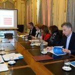 Reunión de seguimiento en @CasaRosada con @mauriciomacri y todo nuestro equipo. https://t.co/kmFwbYP5eq